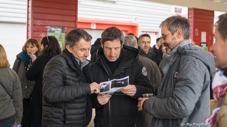 Francis Suhas pdt de l'Arbona FC et l'inspecteur Navarro encadrant Jean Pierre Suhas